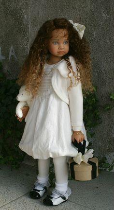 Gallery.ru / Фото #8 - Куклы Анжелы Суттер (Angela Sutter) - swet1603