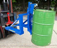 Power lift and power drive pedestrian drum carrier for the removal of drums from pallets or bunds. available @ aayag.com