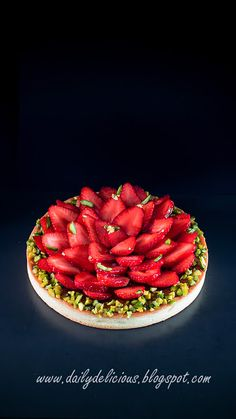 dailydelicious: Strawberry Pistachio Tart: beautiful tart with les...