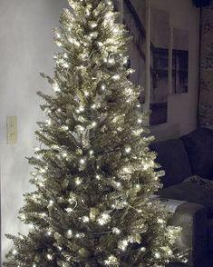 Havupallo - Kohti Joulua -joulublogi Christmas Tree, Holiday Decor, Home Decor, Teal Christmas Tree, Decoration Home, Room Decor, Xmas Trees, Christmas Trees, Home Interior Design