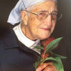Sœur Emmanuelle . Une religieuse pour l'action