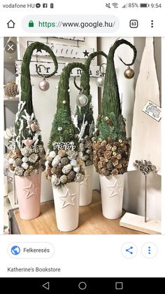 Grinch Christmas Decorations, New Years Decorations, Christmas Centerpieces, Christmas Wreaths, Rustic Christmas, Winter Christmas, Christmas Time, Christmas Projects, Holiday Crafts