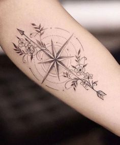 Female Tattoos on the Arm: More than 50 Incredible Inspirations for Your Name . traditional tattoo Tattoos tattoo ideas for men tattoo girl design tattoo girl body Inspirations Incredible Female compass tattoo Arm Feminine Compass Tattoo, Compass Tattoo Design, Delicate Feminine Tattoos, Finger Tattoo Designs, Tattoos For Women Small, Small Tattoos, Geometric Compass, Armband Tattoo Design, Inspiration Tattoos