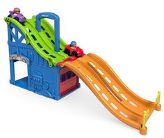 Amazon.com: Fisher-Price Little People Wheelies Race and Chase Carrier: Toys & Games