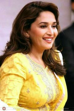 These Sexy Pictures of Madhuri Dixit Will Keep You Up All Night. Indian Actress Hot Pics, Bollywood Actress Hot Photos, Indian Bollywood Actress, Most Beautiful Indian Actress, Beautiful Actresses, Indian Actresses, Indian Celebrities, Bollywood Celebrities, Madhuri Dixit Saree