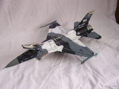 1/32 Academy Block 42 F-16C Arctic Aggressor.
