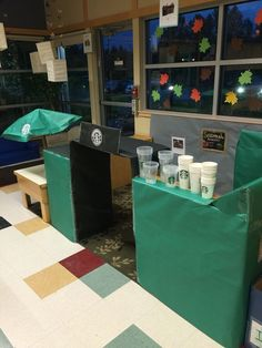 This coffee shop dramatic play would be the perfect center for when kids are learning to count money! Dramatic Play Themes, Dramatic Play Area, Dramatic Play Centers, Preschool Centers, Preschool Classroom, Preschool Activities, Kindergarten Math, Classroom Ideas, Preschool Spanish