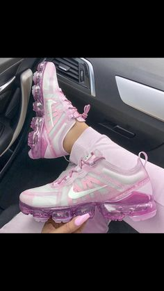 Fancy Shoes Cute Shoes Me Too Shoes Nike Gear Nike Tennis Sneaker Games Workout Shoes Sneaker Heels Kinds Of Shoes Crazy Shoes, Me Too Shoes, Cute Sneakers, Ladies Sneakers, Sneakers Adidas, Ladies Shoes, Shoes Men, Shoes Sneakers, Sneakers Fashion