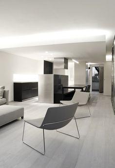 Housing Enrica minimalist and essential for study Mosciaro Fusina 6. Photo: Carolina Vargas