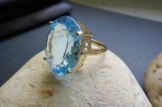 Vintage 14kt Gold Natural Blue Topaz Ring by RetroGoldandSilver