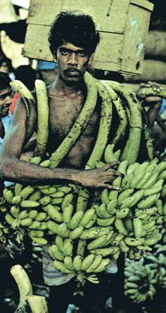 National Geographic, january 1979: Sri Lanka, Photographs by Raghubir Singh.
