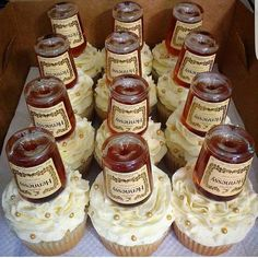 Financial at the Companion - HQ Recipes Alcohol Infused Cupcakes, Alcoholic Cupcakes, Alcohol Cake, Funny Birthday Cakes, Adult Birthday Cakes, Birthday Ideas, 40th Birthday, Cupcake Recipes, Cupcake Cakes