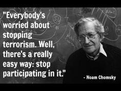 """10 sposobów na manipulację społeczeństwem wg. Noama Chomskiego Warto poznać te sposoby , aby umieć je """"odczytać"""", bo obecnie są nagminnie wykorzystywane w Polsce. 1 – ODWRÓĆ UWAGĘ Kluczowym elementem kontroli społeczeństwa jest strategia polegająca na odwróceniu uwagi publicznej od istotnych spraw i zmian dokonywanych przez polityczne i ekonomiczne elity, poprzez technikę ciągłego rozpraszania uwagi i nagromadzenia nieistotnych informacji. Strategia odwrócenia uwagi jest również niezbędna…"""