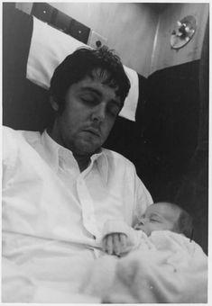 Paul and Mary McCartney My Love Paul Mccartney, Mary Mccartney, Paul Mccartney And Wings, Heather Mccartney, Great Bands, Cool Bands, Sir Paul, Eyebrows On Fleek, Beastie Boys