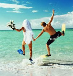 Priceless - Snorkeling in a white suit and veil would be so so so cute for an announcement or thank you card picture!