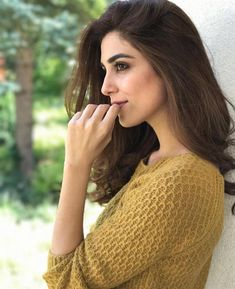 Pakistani celebrities who can easily sweep away a beauty pageant win!