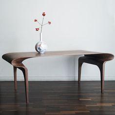 Contour Table – Bodo Sperlein