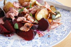 Bacon, courgette and beetroot potato salad Beetroot, Potato Salad, Bacon, Potatoes, Ethnic Recipes, Food, Potato, Meals, Yemek