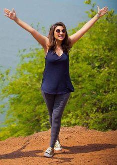 Indian Bollywood Actress, Indian Actresses, Beautiful Indian Actress, Beautiful Actresses, Parneeti Chopra, Alia Bhatt Photoshoot, Priyanka Chopra, Kareena Kapoor, Hollywood Girls