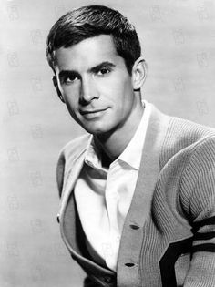 Anthony Perkins was handsome in a creepy kinda way Hollywood Men, Hollywood Icons, Golden Age Of Hollywood, Hollywood Stars, Classic Hollywood, Hollywood Cinema, Anthony Perkins, Broderick Crawford, Robert Vaughn