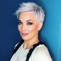 Sweet and Sexy Pixie Haircuts for Women - - Short Hairstyles - Hairstyles 2019 Thin Hair Haircuts, Short Pixie Haircuts, Short Hairstyles For Women, Blonde Pixie Hairstyles, Easy Hairstyles, Short Wavy Hair, Girl Short Hair, Short Girls, Looks Chic