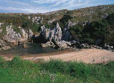 Playa de Gulpiyuri, Les Asturies (Espagne)