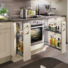 Kitchen Post, Big Kitchen, Kitchen Layout, Kitchen Ideas, Best Kitchen Designs, Modern Kitchen Design, Kitchen Cabinet Organization, Kitchen Storage, Organization Ideas