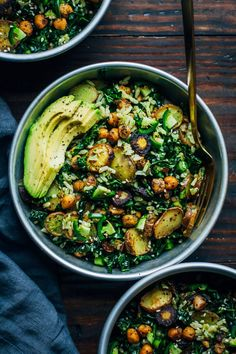 Salat mit Grünkohl, Avocado food recipes dinners meals Kale Detox Salad w/ Pesto Healthy Food Recipes, Whole Food Recipes, Cooking Recipes, Atkins Recipes, Quick Recipes, Diabetic Recipes, Beef Recipes, Super Food Recipes, Healthy Winter Recipes