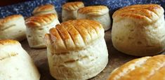 Scones, Hamburger, Muffin, Bread, Cheese, Breakfast, Food, Tej, Erika