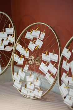 Classic Glamour Pink and Gold Wedding – Klassische Hochzeit in Glamour Pink und Gold – Bicycle Wheel Decor, Tableau Marriage, Bicycle Party, Bicycle Crafts, Pink Und Gold, Bicycle Wedding, Wedding Table Seating, Low Cost Wedding, Pink And Gold Wedding