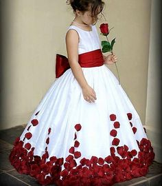 Lovely Flower Girl Dresses New Satin Ball Gown Scoop Floor Length Bow First Communion Dresses For Girls 2017 Kid Flower Gowns Girls Pageant Dresses, Dresses Kids Girl, Baby Girl Party Dresses, Ball Dresses, Baby Dress, Ball Gowns, Girl Outfits, Pageant Gowns, Dresses 2016