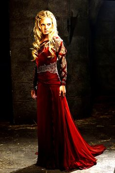 Emilia Fox, playing Morgause (Merlin).   Emilia's hair style is beautiful - a perfect bridal look!