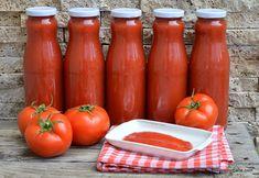 Passata de roșii rețeta italiană foarte simplă și rapidă de suc gros de roșii pentru iarnă. Cum se face un bulion de roșii concentrat fără Ketchup, Hot Sauce Bottles, Good Food, Canning, Vegetables, Health, Romanian Food, Health Care, Home Canning