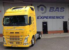 Volvo FH 500 pk x-Low 4x2 Twan van der Doelen Transport