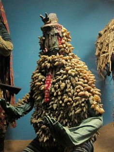 【先祖と接続する服】アフリカの聖地に降臨した「エグングン」に深層心理が恐れまくる:DDN JAPAN