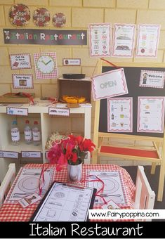 Fun Dramatic Play Ideas Italian Restaurant and Pizzeria dramatic play printables ~ Fairy Poppins Dramatic Play Themes, Dramatic Play Area, Dramatic Play Centers, Early Learning Activities, Play Based Learning, Preschool Activities, Preschool Kindergarten, Summer Activities, Family Activities