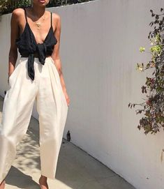 Flawless Summer Outfits Ideas For Slim Women That Looks Cool - Oscilling Fall Outfits 2018, Mode Outfits, Spring Outfits, Fashion Outfits, Autumn Outfits, Outfit Summer, Womens Fashion, Fashion Ideas, Fashion 2018