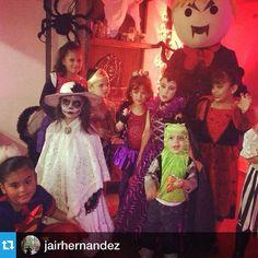 #Repost from @jairhernandez with @repostapp --- Con los sobrinos #halloween #playmobil #dracula #maleficent #catrina