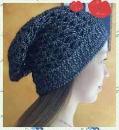 Cappellino modello lungo a uncinetto !!!