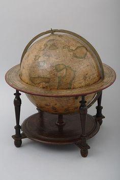 こんなチャンスは二度とない!フェルメールが描いた天球儀・地球儀がやって来た! - いまトピ  ヨドクス・ホンディウス(父) 《地球儀》/アムステルダム、オランダ/1600年/47×50cm/紙・印刷 ©origin of source Gallica / Bibliothèque nationale de France