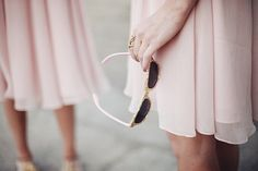 Is the big day right around the corner? Make sure you don't miss a thing with this list of last-minute wedding planning tips for 2 weeks to the day before!