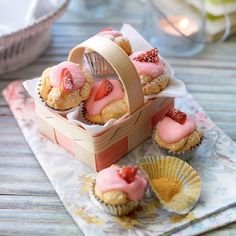Slimming World Deserts, Slimming World Puddings, Gooseberry And Elderflower Fool, Healthy Cupcakes, Lemon Cupcakes, Cute Cupcakes, Birthday Cupcakes, Strawberry Cupcake Recipes, Good Food