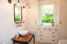 http://www.hgtv.com/shows/fixer-upper/fixer-upper-freshening-up-a-1919-bungalow-for-empty-nesters-pictures?soc=fix_20160224_58581076