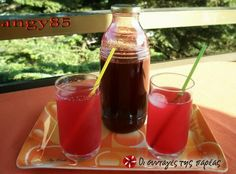 Great recipe for Vissinada. Vissinada is a traditional Greek sour cherry soft drink. Fun Drinks, Beverages, Cherry Cordial, Greek Sweets, Sweets Recipes, Greek Recipes, Hot Sauce Bottles, Alcohol, Favorite Recipes