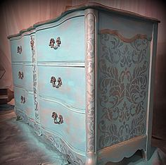 This @atticangel blessed this furniture piece with our heavenly Acanthus Damask Stencil. But wait!!! Our HUGE #CyberMonday Stencil SALE ends tonight! 25% ALL patterns+ FREE gift! #royaldesignstudio