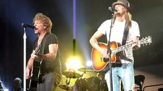 Notice who gets more applause. Bon Jovi & Kid Rock ~ Wanted Dead Or Alive ~ Auburn Hills Kenny Chesney, Rock Music, My Music, Bon Jovi Videos, Auburn Hills, Rock Videos, Kid Rock, Music For Kids, Jon Bon Jovi