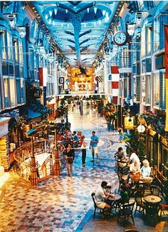 Grab a pint or go shopping in the Royal Promenade. The Bull and Bear English Pub onboard Freedom of the Seas is a favorite among cruisers.