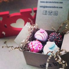 valentines day sampler pack, looks like love doesn't it? www.cakeballers.com #thecakeballers #cakeballers #cakeballer #cakeball #valentinesday #sweet