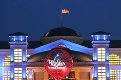 Winstar Casino provides all sorts of entertainment for couples seeking some night life on their Valentine's weekend getaway.