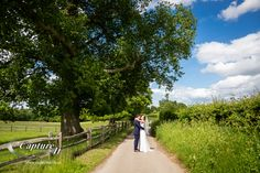 gate-street-barn-wedding-photography-jap-23